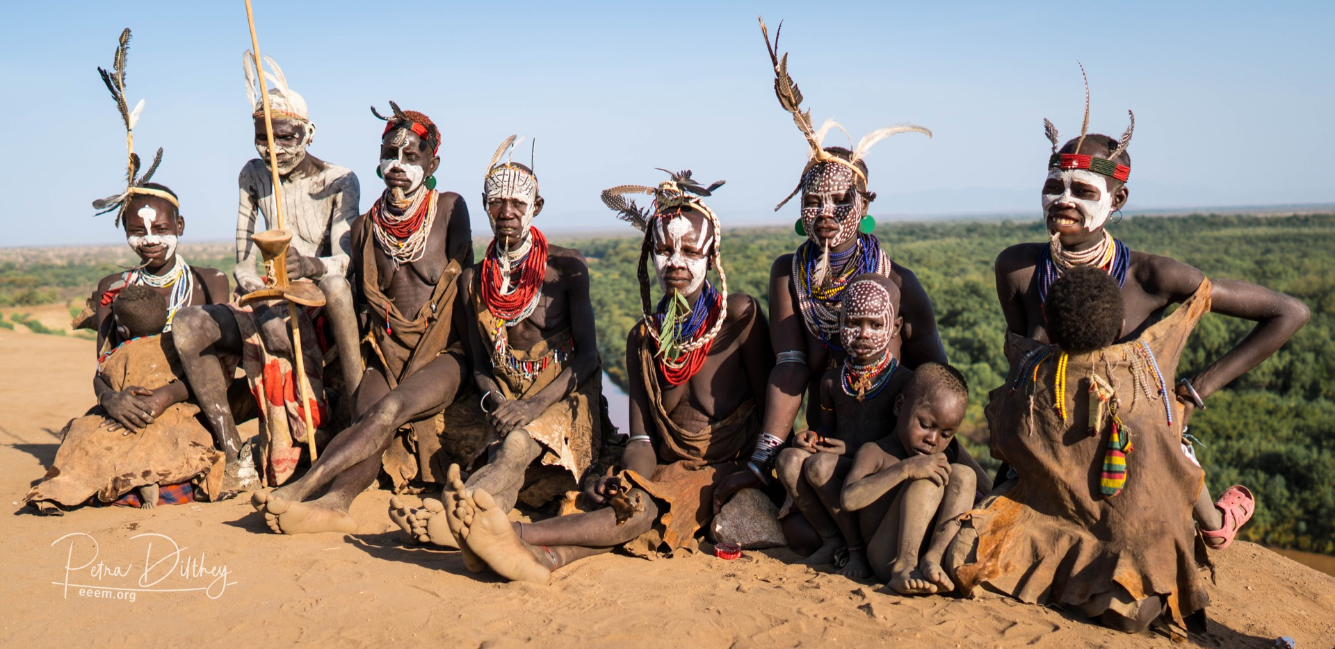 Karo tribe at the Omo river, © Petra Dilthey, ethno e-empowerment (eeem.org).